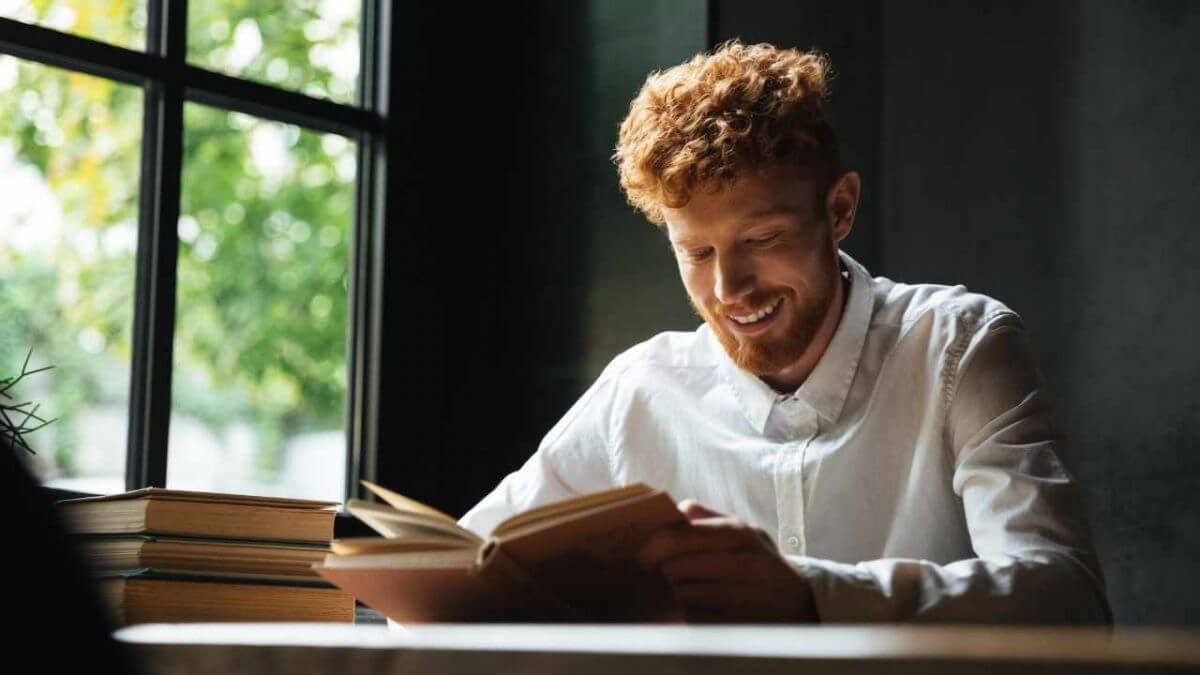 How to read more effectively in less time? In this post, find out 4 great techniques to help you read more in less time.