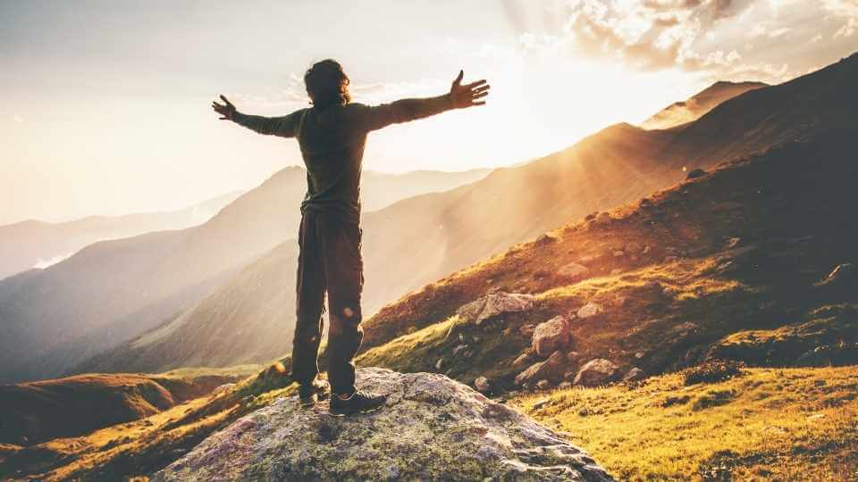 Stuck in your life? Here are 100 personal goals ideas to create this spark again and actually actualize your potential to have a happy and successful life.
